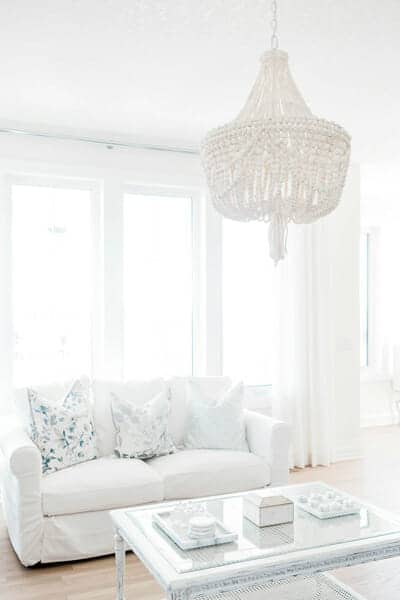 feng shui 101: the metal element is represented by whites and pastel tones