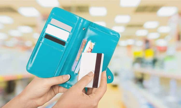 What is the best feng shui wallet color?