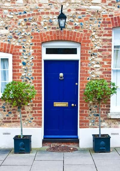 what color should you paint your door for good feng shui?