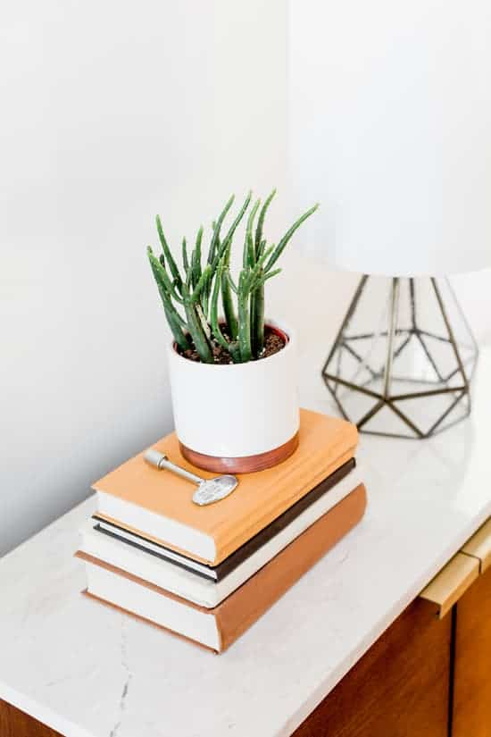 feng shui entry table