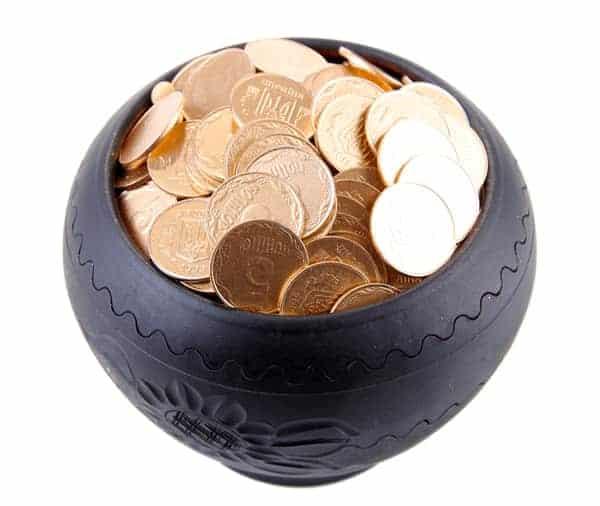 vase feng shui coins