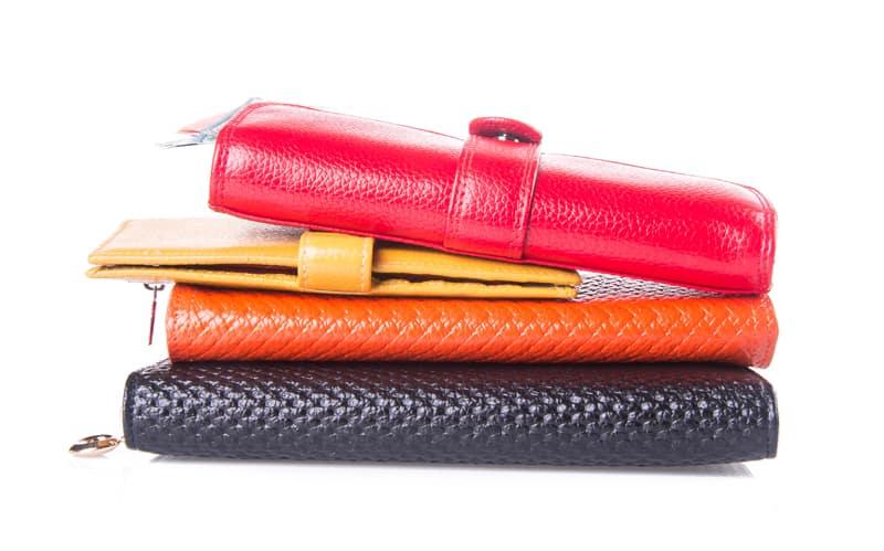 best feng shui wallet color